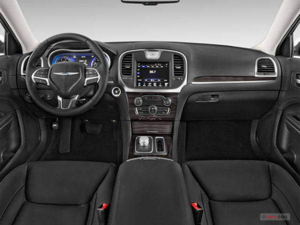 Chrysler 300 Interior