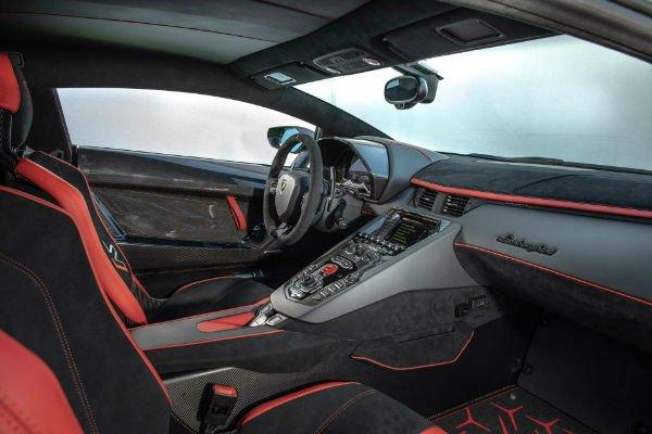 2019 Lamborghini Aventador Interior