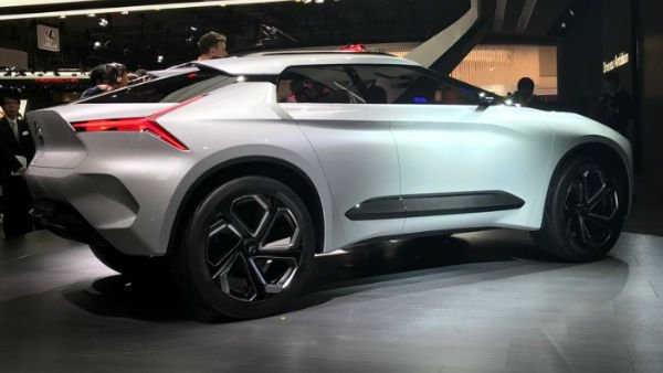 2019 Mitsubishi Pajero Evolution