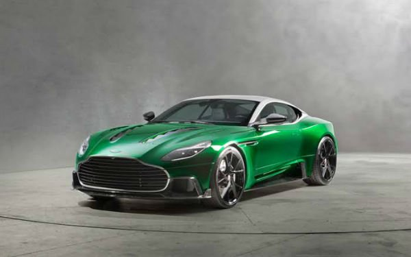 2020 Aston Martin db11 British Green