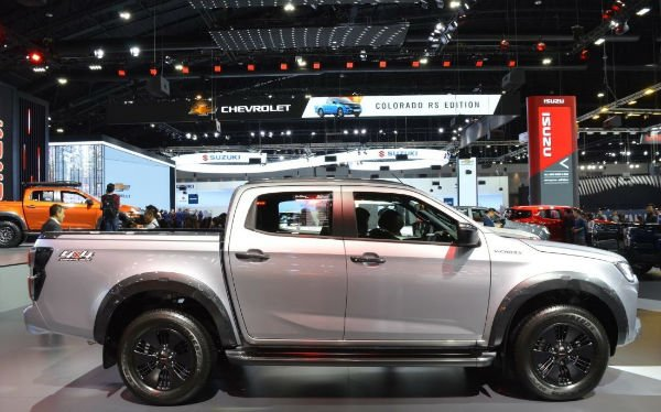 2020 Isuzu D-Max Vcross India Launch