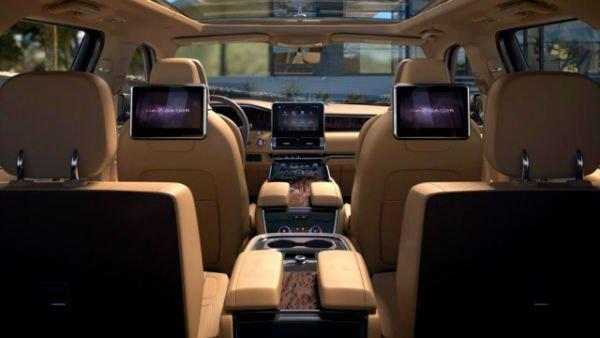 2020 Lincoln Aviator Inside