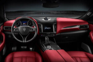 2020 Maserati Levante Granlusso Interior