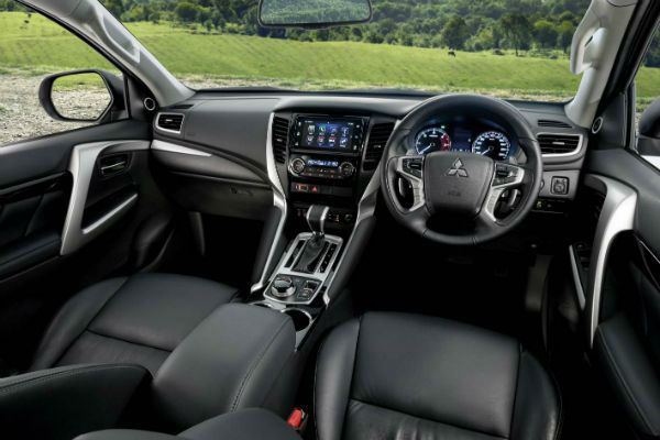 2020 Mitsubishi Pajero Sport Interior