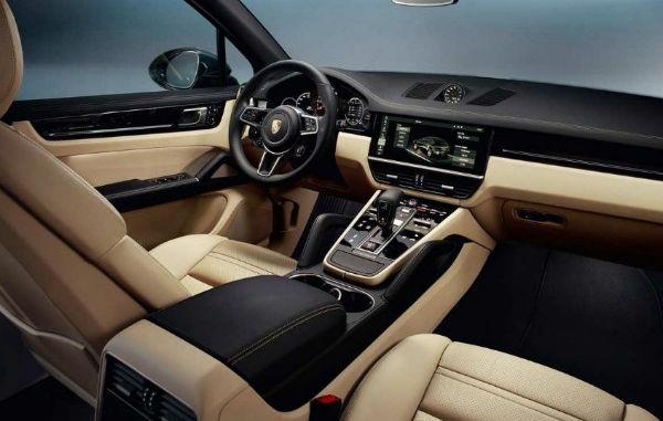 2020 Porsche Cayenne Turbo Interior