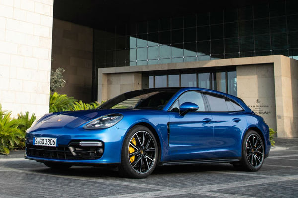 2020 Porsche Panamera GTS Turismo