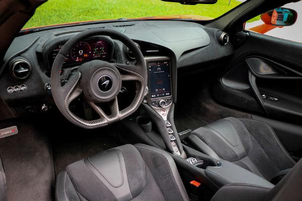 McLaren 720s 2020 Interior