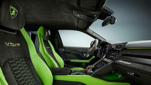 2021 Lamborghini Urus Inside