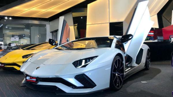 2021 Lamborghini Aventador SV