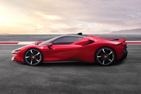 2021 Ferrari SF90 Stradale PHEV
