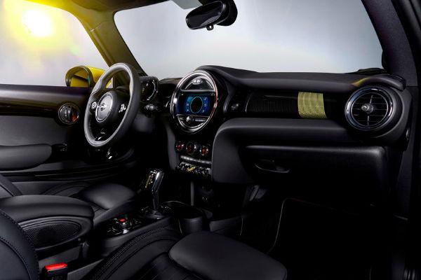 2021 MINI Electric Hardtop Interior