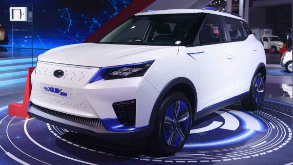 2022 Mahindra eXUV 300