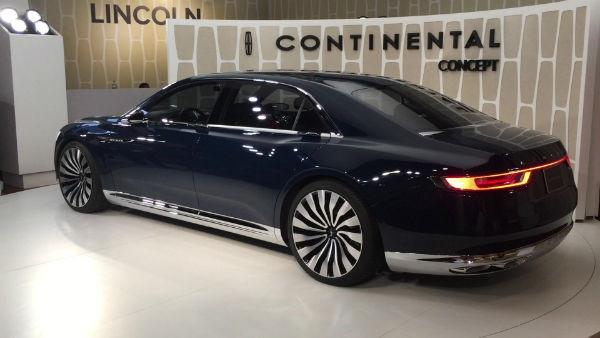 2022 Lincoln Continental Black Label